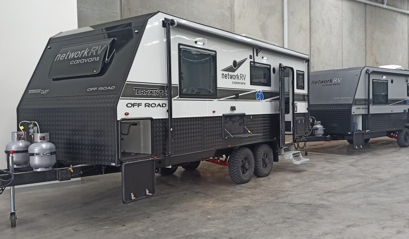 Network RV 21'6 Rear Club Offroad full