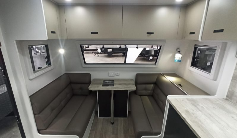 Network RV 21′ Front Cafe full